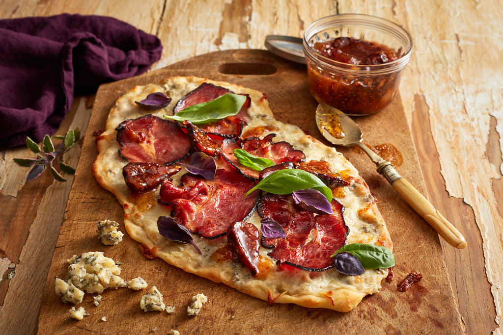 AUGUST-Bacon-Blue-Pizza.jpg